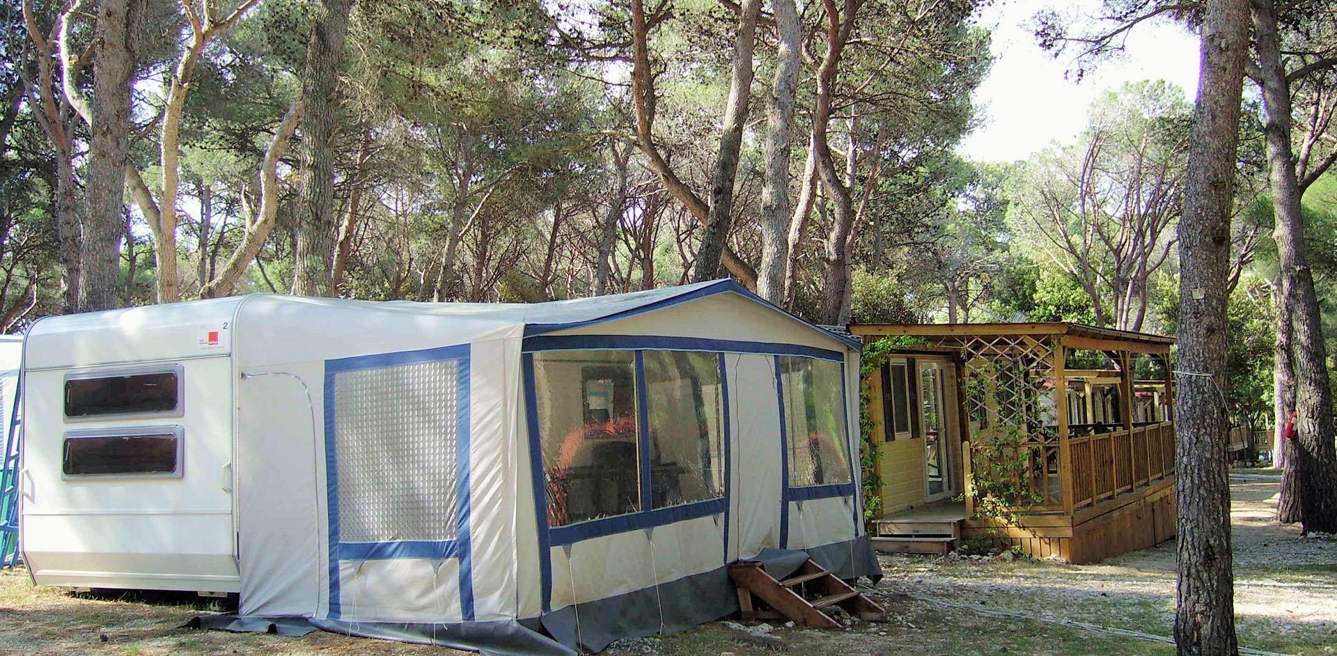 Camping Kozarica Mobilne kućice Apartmani Prikolice Adria Village